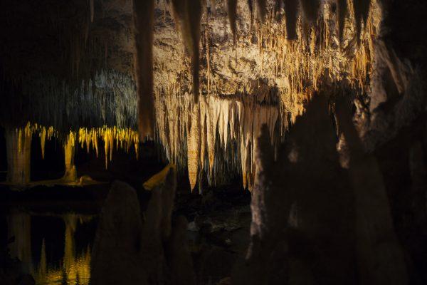 20181005_lake_cave_peering_through_MRWA-5767